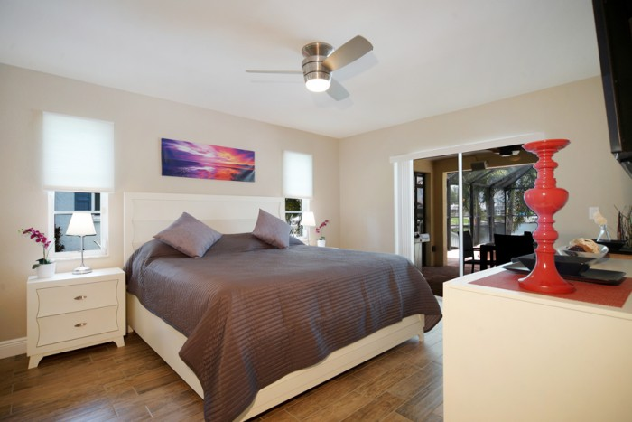 Villa Sunrise master bedroom - Cape Coral Vacation Rental