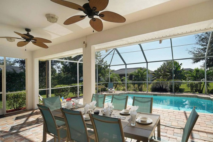 Villa Sunshine outside dinning - Cape Coral Vacation Rental
