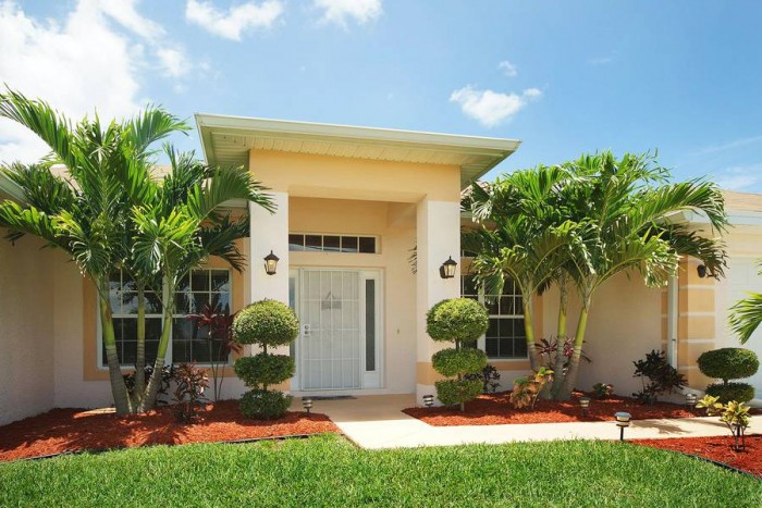 Villa Blue Horizon front entrance - Cape Coral Vacation Rental