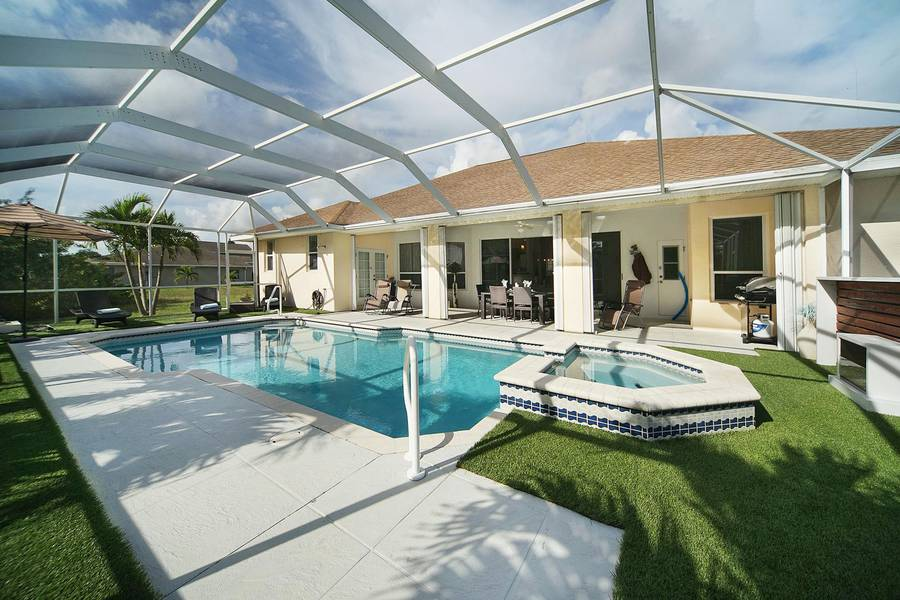 Villa Malibu pool area - Cape Coral Vacation Rental