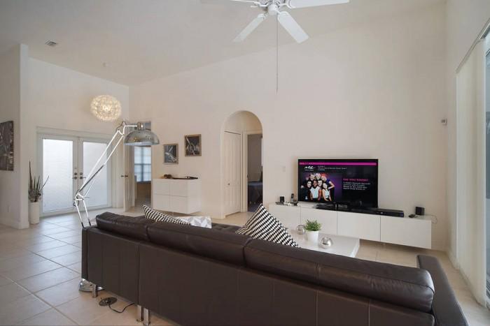 Villa Malibu living room